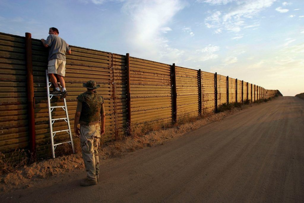 New Ideas Us Fence With US Mexico Border 7